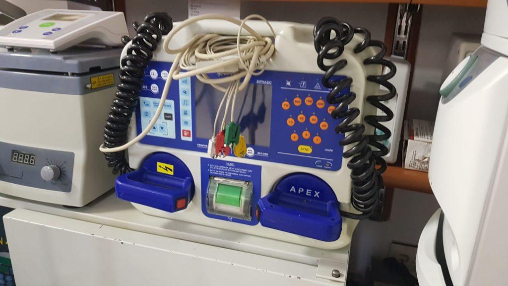 Defibrilatör Cihazı Tamiri